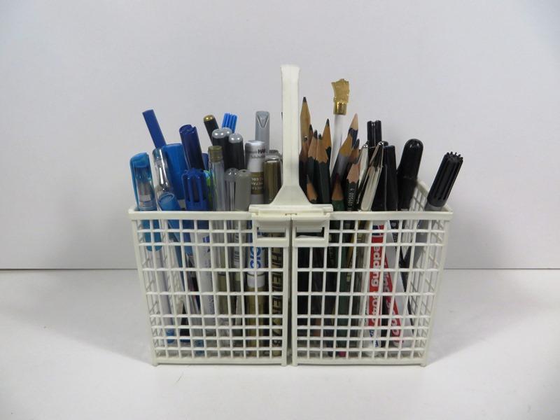 Geschirrspülkasten als Stiftebehälter